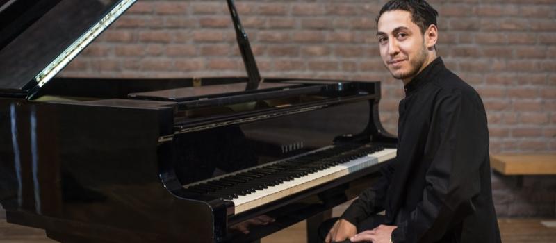 mkhitar-piano-1024×576
